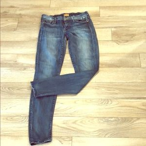 Denim - Mother distressed jeans size 28
